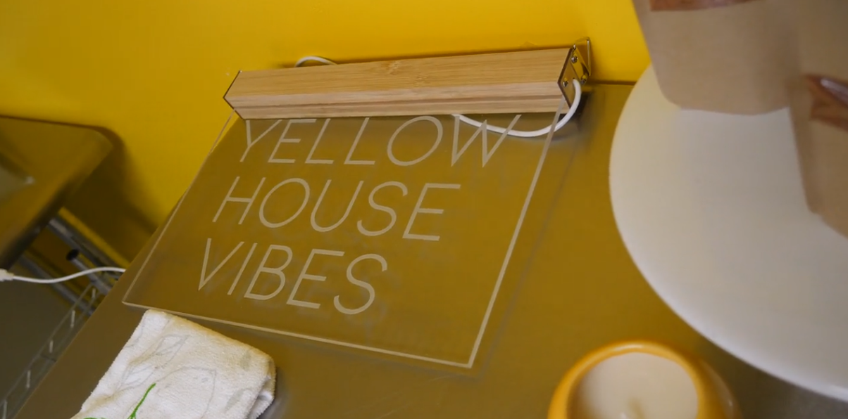 yellowhousevibes.PNG