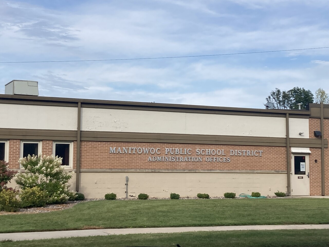 Manitowoc Public Schools to require masks for upcoming school year