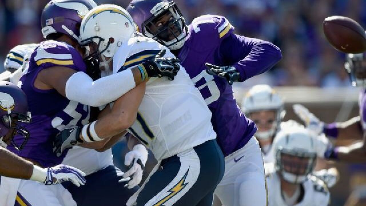 Vikings beat Chargers 31-14