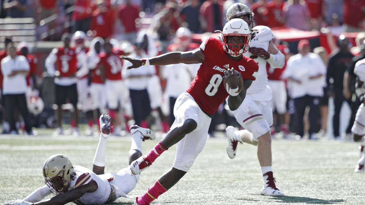 Lamar like Mike? Louisville's Lamar Jackson compared to Michael Vick