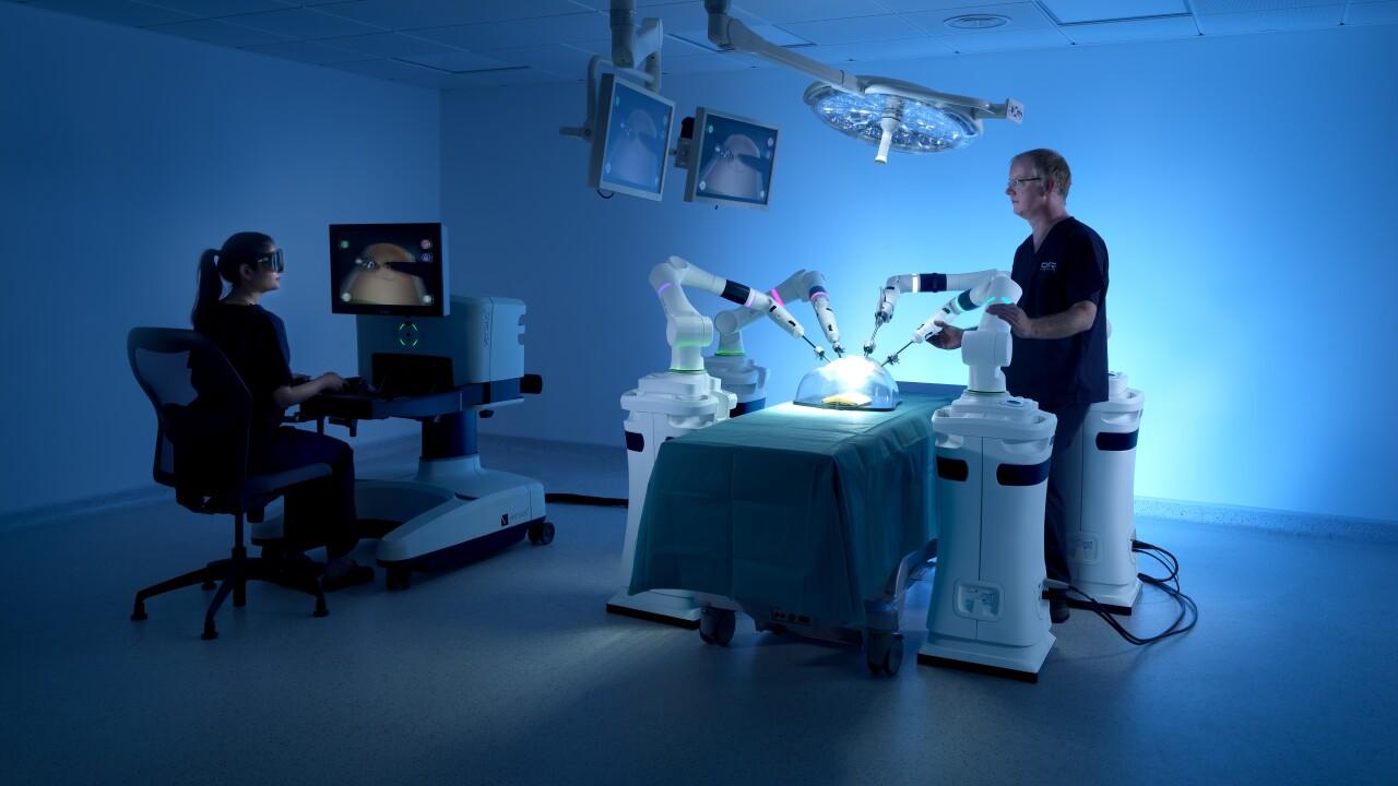 cmr-surgical-versius-clinical-setup-4-arms-00008-1.jpg