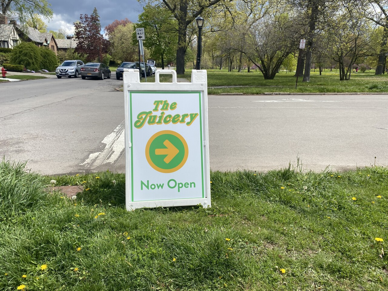 New owners of 'The Juicery' smoothie shack want it to become a staple in the park again