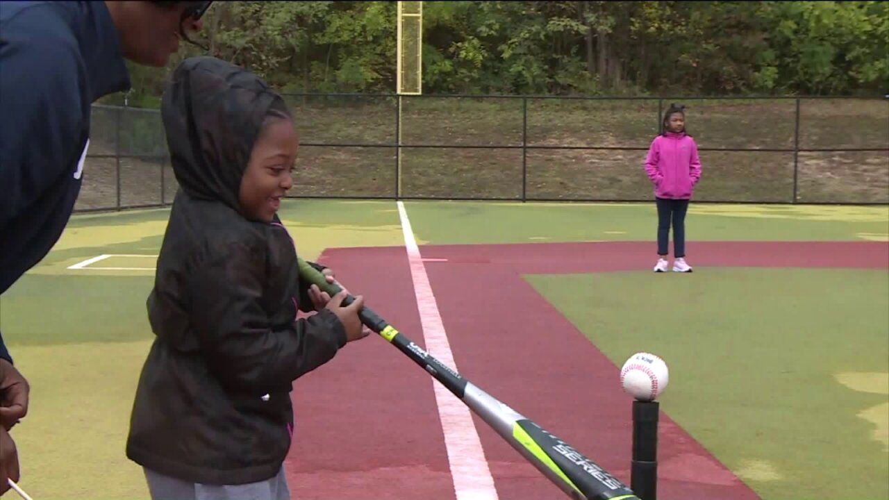 Henrico students with disabilities play ball for Challenger Day: 'We want to treat them likeroyalty'