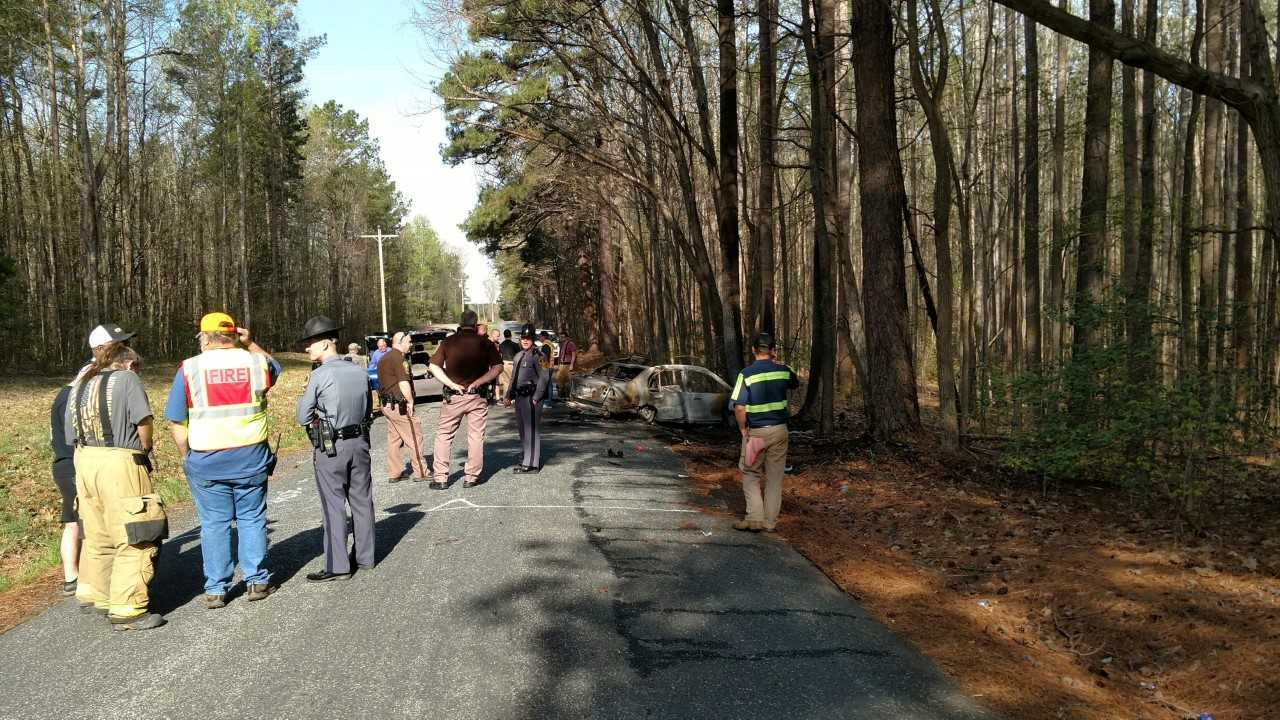 2 killed in fiery crash in Nottoway County