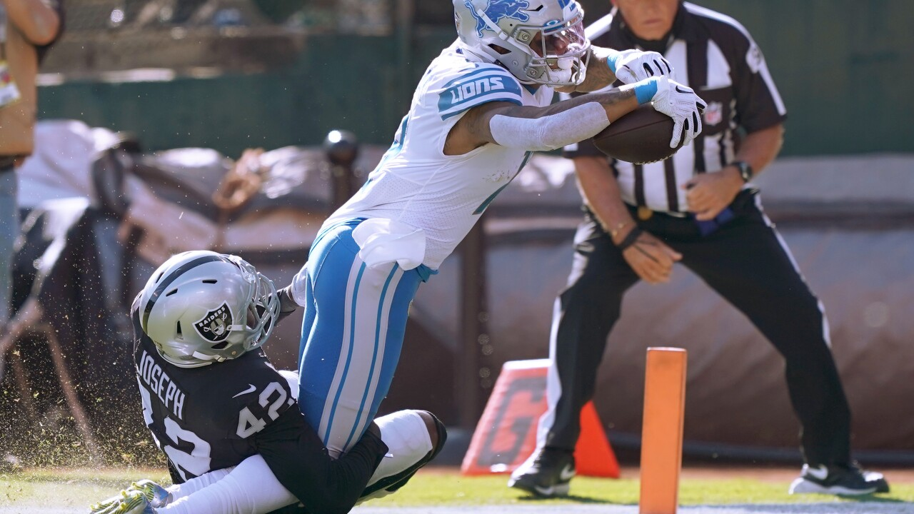 Raiders outlast Lions in back-and-forth battle