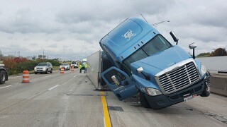 Parts of southbound Interstate 71/75 in Erlanger closed for hours due to overturned semi