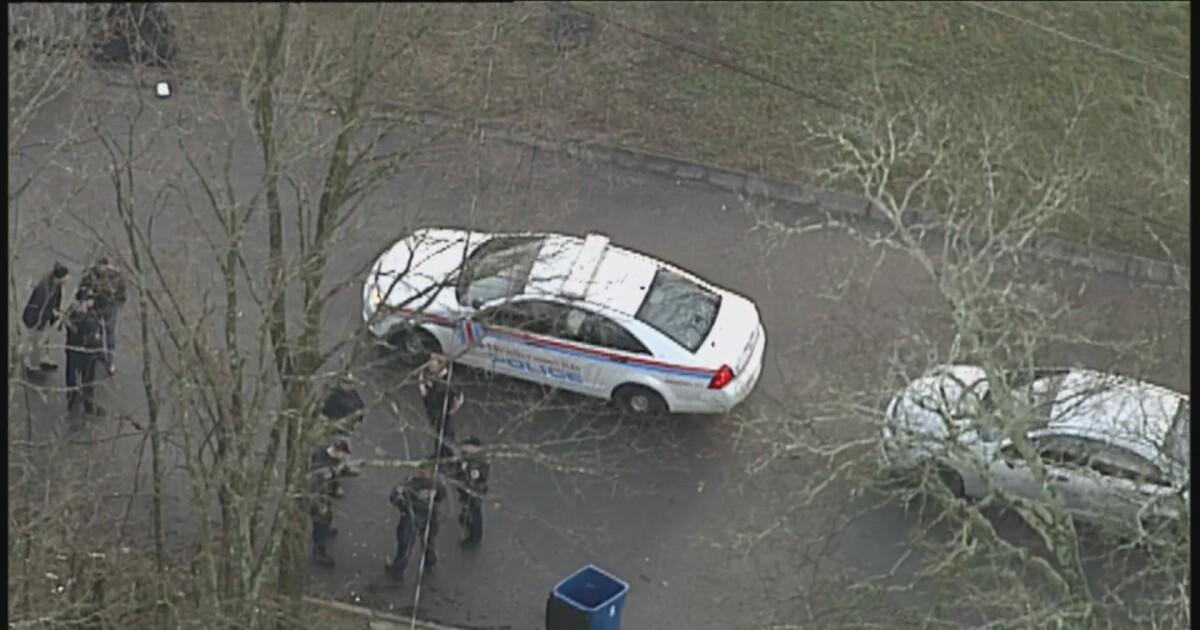 Suspects flee on foot after pursuit ends in Nashville