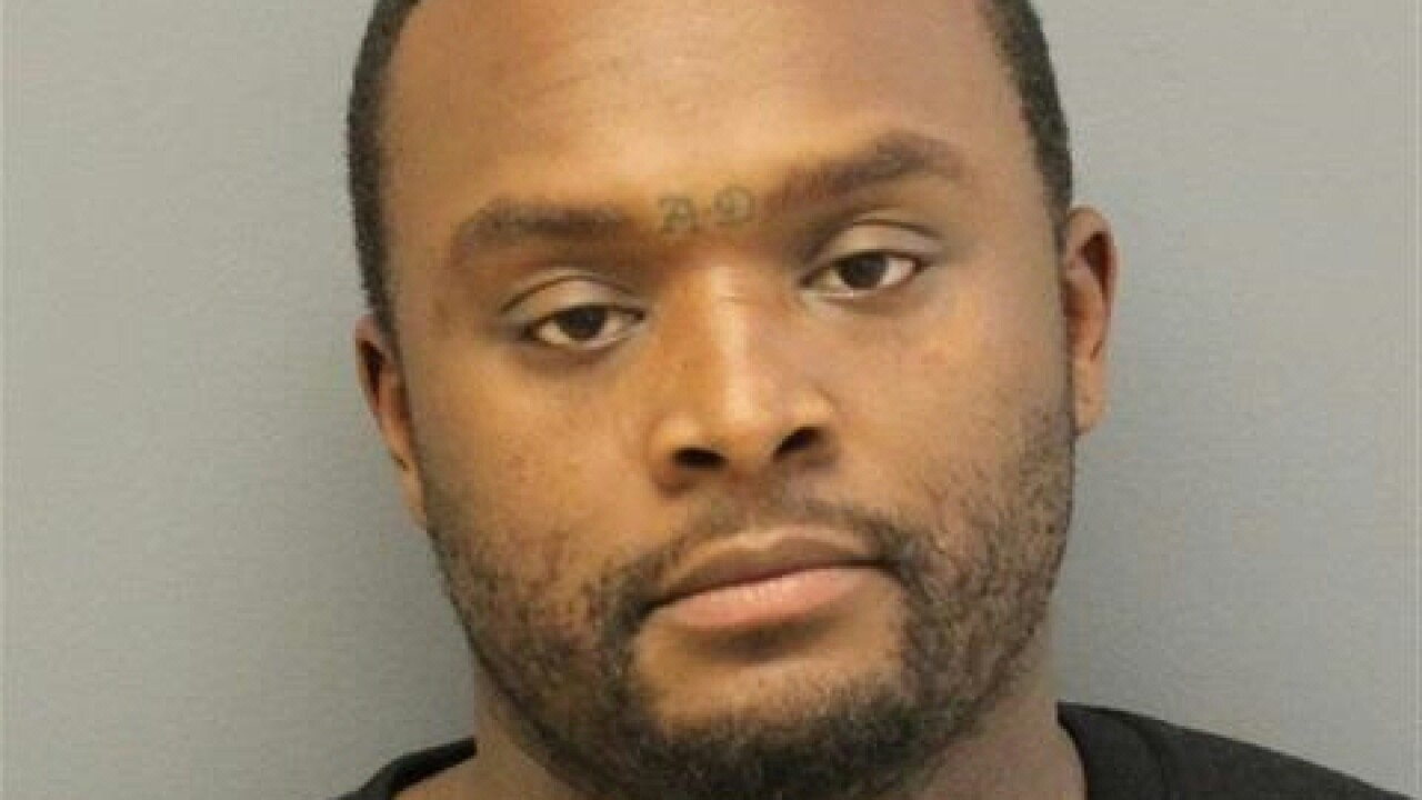 Newport News Police: Girlfriend stabs man in self-defense, man charged with assault