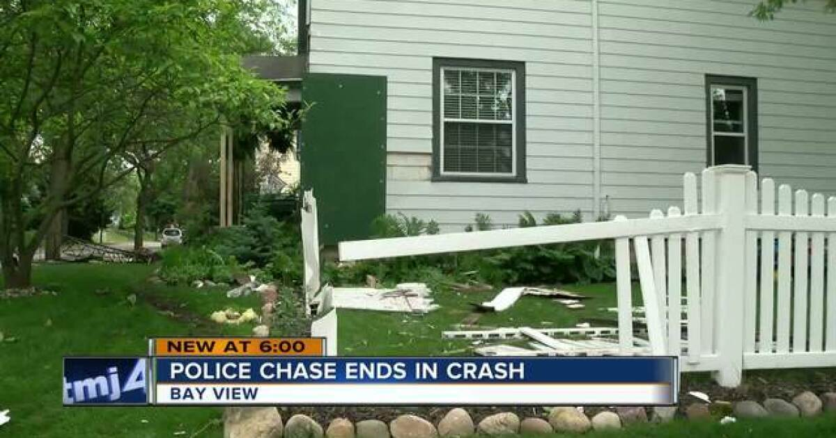 Milwaukee teens lead police on chase, crash into Bay View home