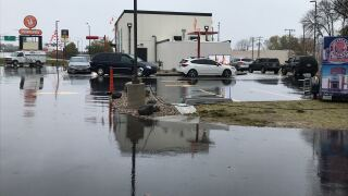 Cars line up for new Popeyes opening up in Green Bay