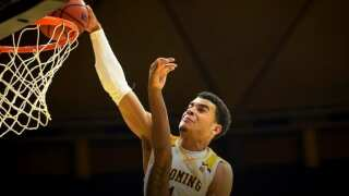 James reaches 2,000 points in win over San Jose State