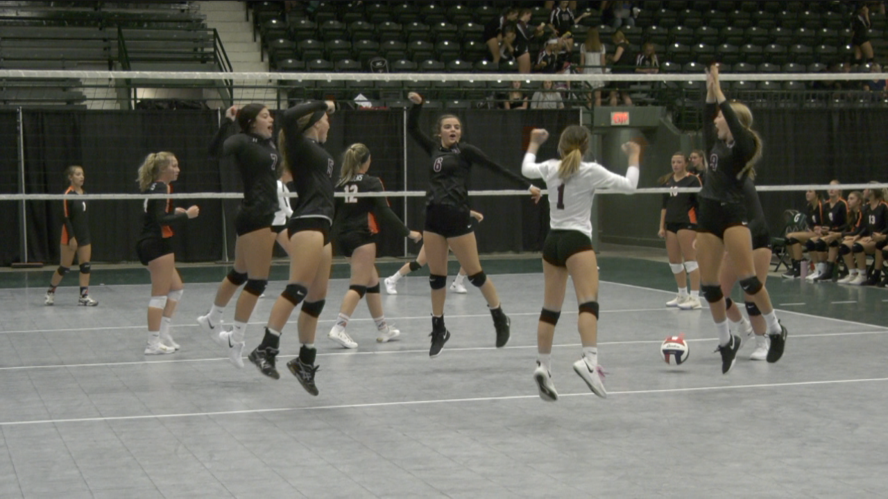 2019 Western A volleyball tip-off