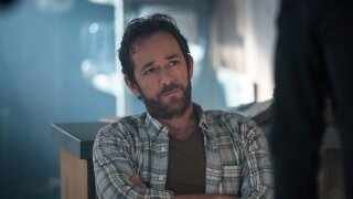 'Riverdale' bids farewell to Luke Perry in emotional episode