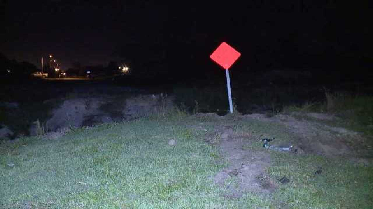 Driver tries to jump canal with his car in Southwest Florida