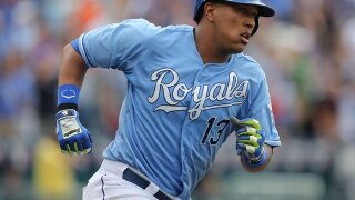 Salvador Perez closer to a return to the field after injuring his left knee before the season
