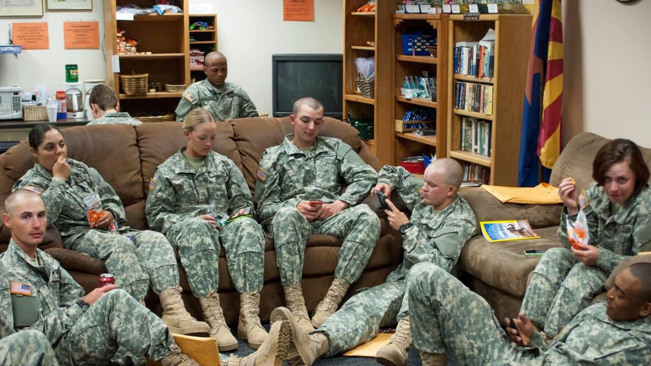 tus military lounge.jpg