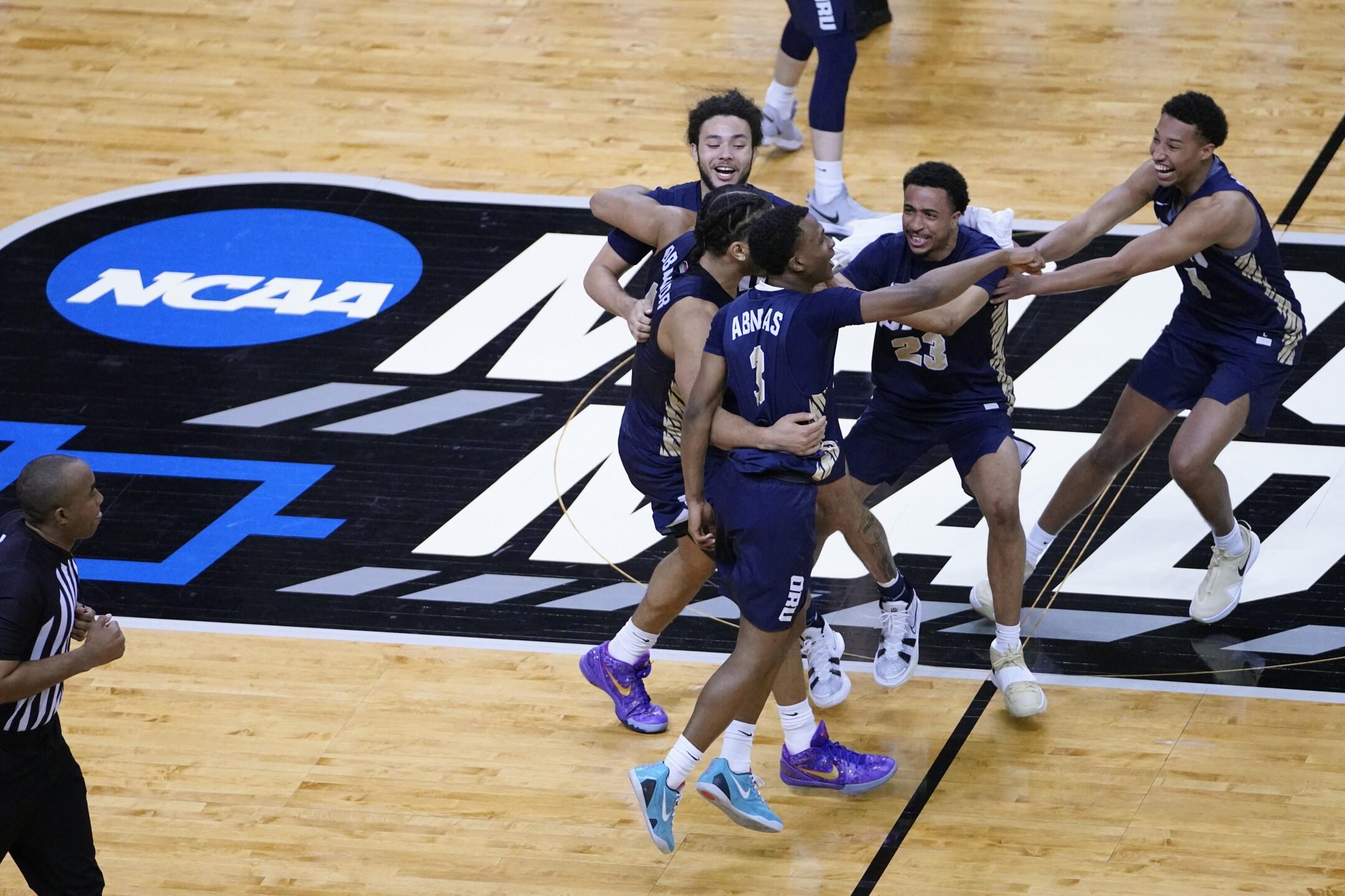 APTOPIX NCAA Oral Roberts Florida Basketball