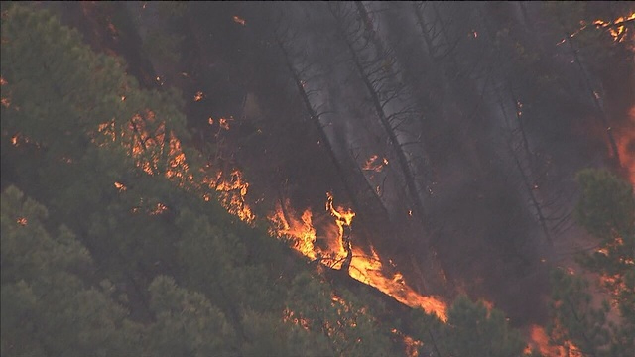 Tinder Fire evacuations lifted for hundreds