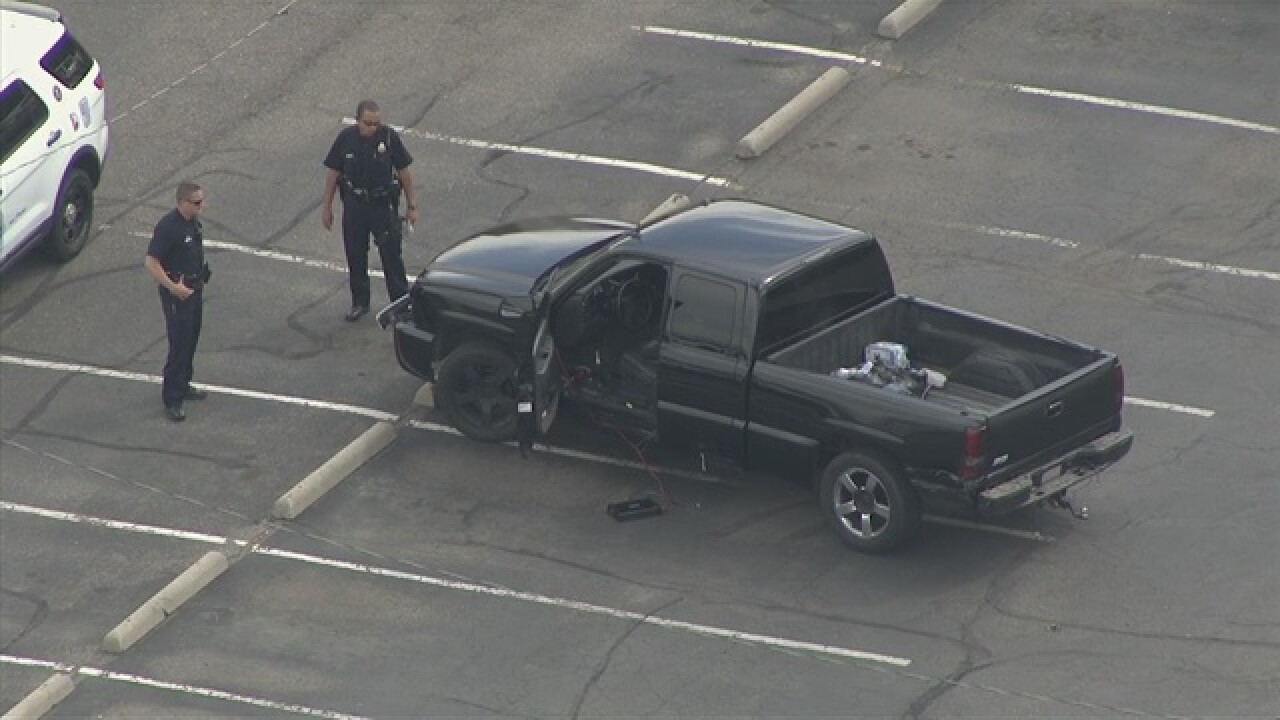 Truck in custody after chase in Denver, Aurora