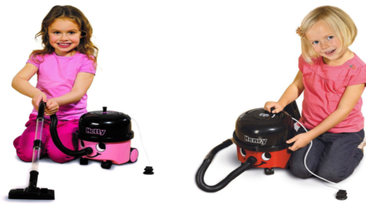 You Can Buy A Mini Vacuum For Kids That Actually Works