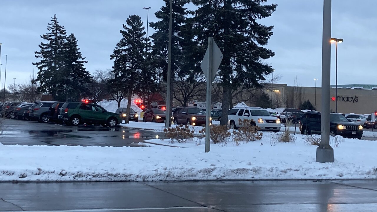 Fox River Mall active situation january 2021