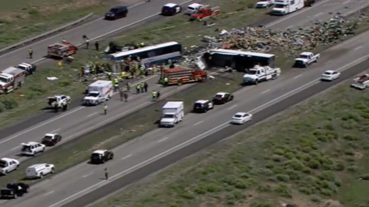8 dead in New Mexico bus-truck crash, state police say