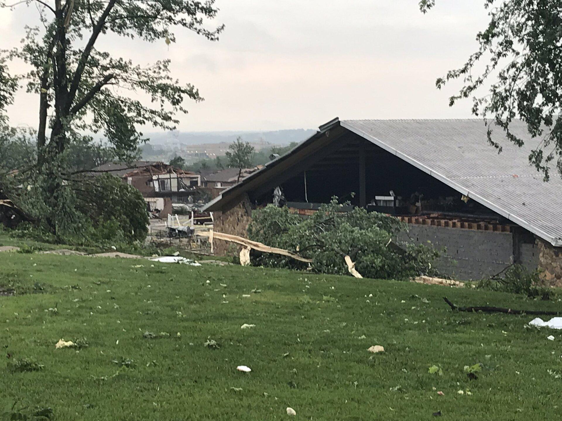 jeff city tornado 14.jpg