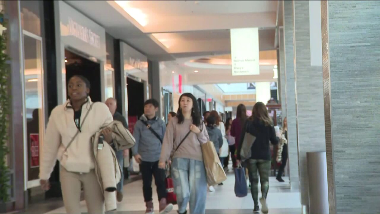 New Jersey indoor shopping malls reopen