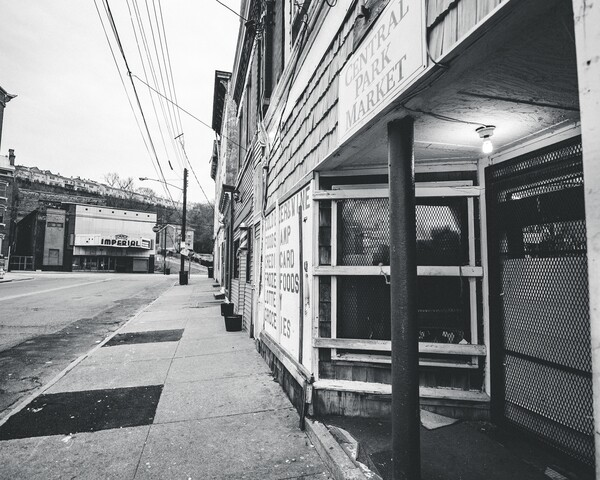 Cincygram offers black-and-white views of the historic Mohawk District