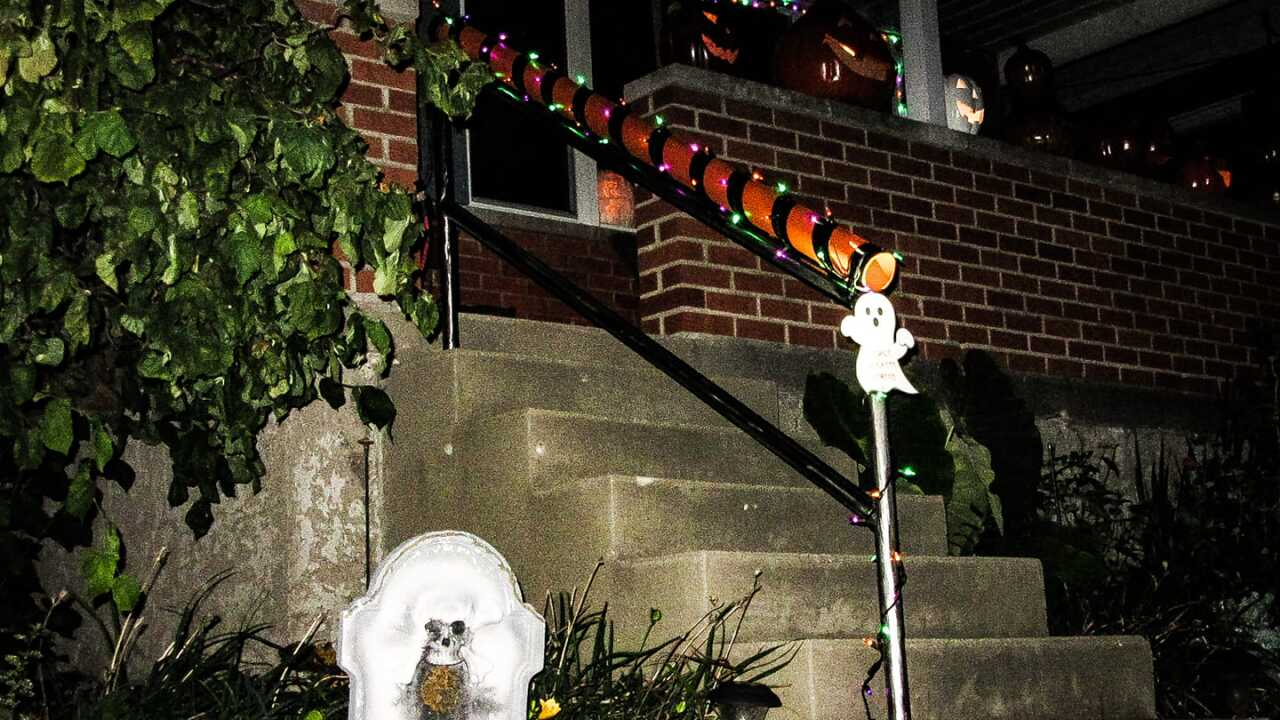 Man creates perfect solution to trick or treating amid the pandemic