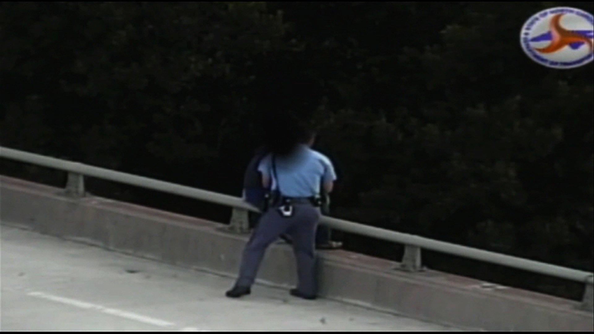 Photos: A cop's compassion stops potentialsuicide