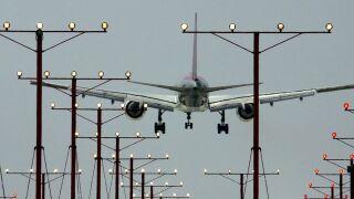 FAA: Enhance pilot training and development