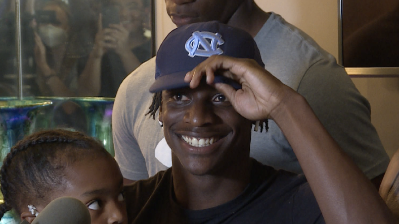 Tony Grimes commits to UNC