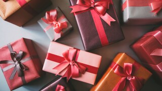 Here's a list of unwanted holiday gifts for last-minute shoppers tonote