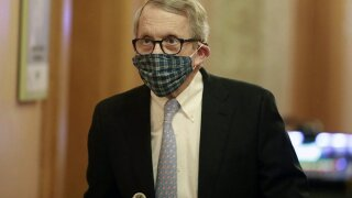 Ohio changes mask policy back, again requires anyone returning to work to wear one