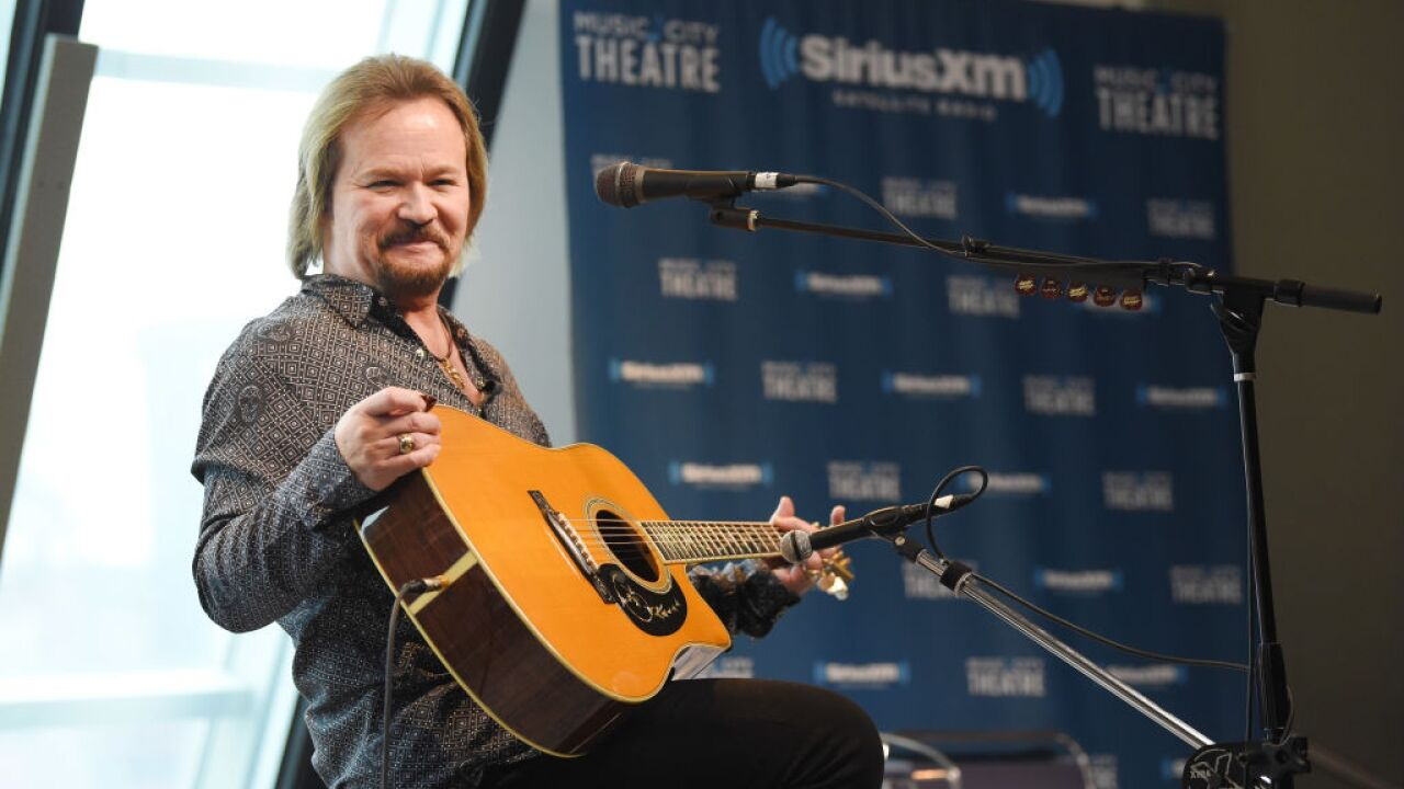 Country star Travis Tritt's tour bus involved in fatal car wreck in
