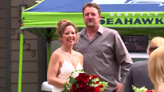 Washington couple hosts drive-in wedding
