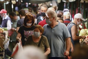 New Jersey lawmakers advance bill that would fine shoppers for not wearing masks in stores