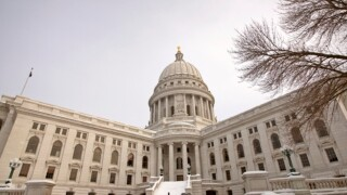 Census: Wisconsin sees small population gains