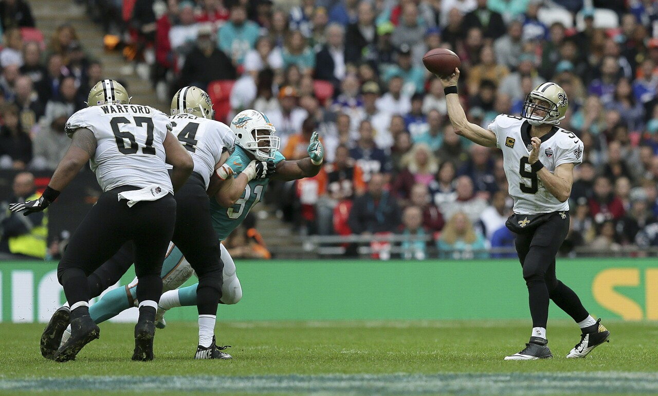 New Orleans Saints QB Drew Brees passes vs. Miami Dolphins in London in 2017