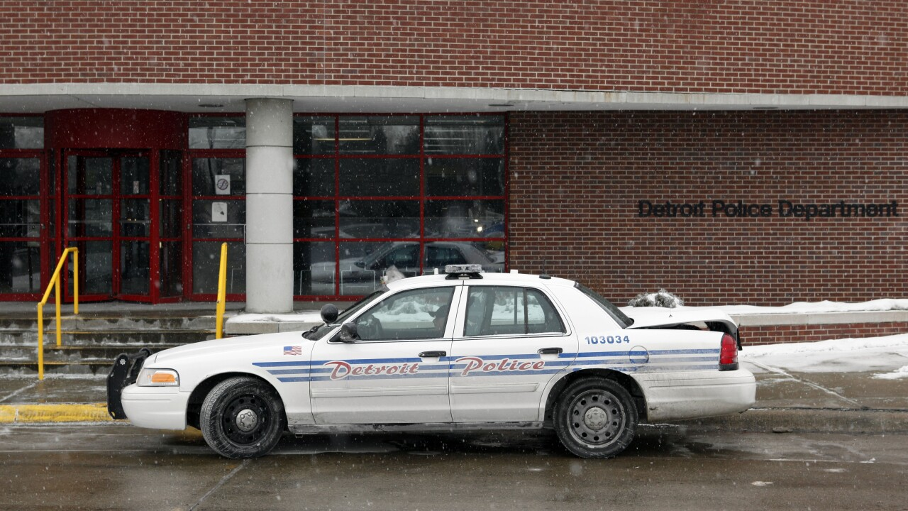 Probe of Detroit police drug unit finds potential wrongdoing