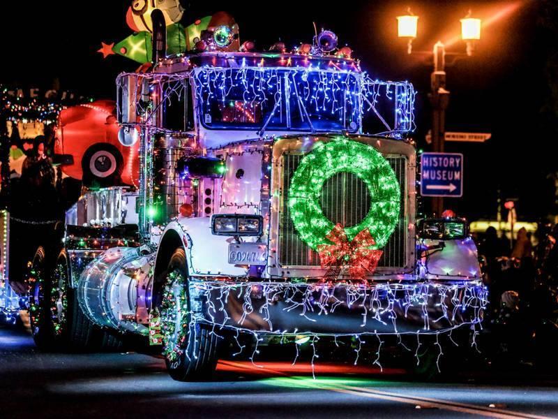 Grand Ledge Night Lights Christmas Parade & Festivities