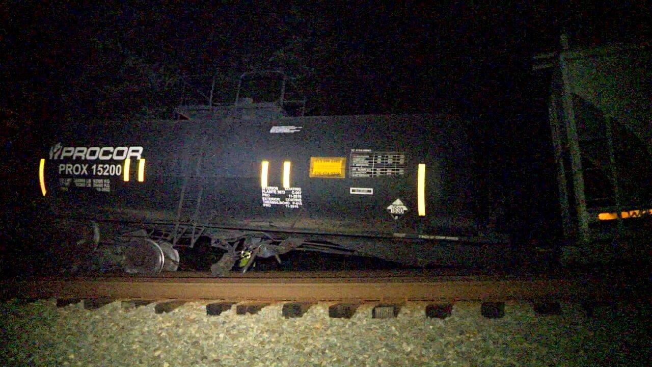 Train derailment closes Chesterfieldroad