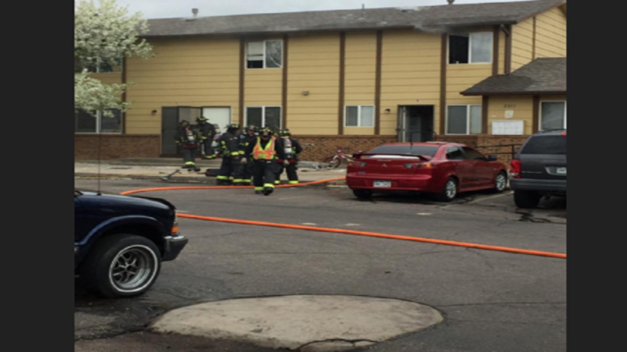 Crews respond to Greeley apartment fire