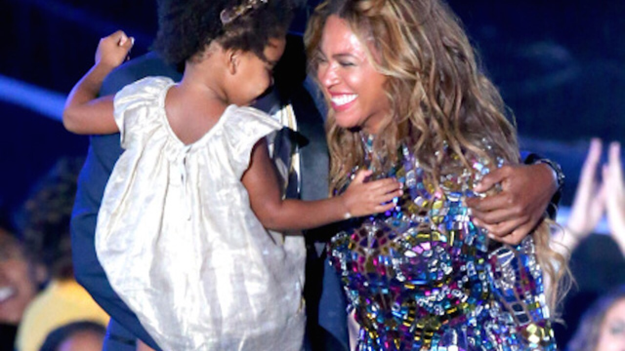 Beyonc plays concert for Blue Ivy's school