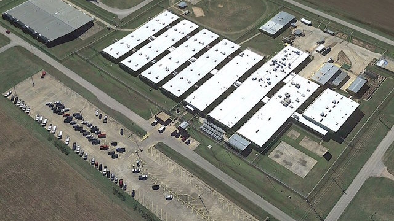 Texas inmates relocated from hot prison to temporary facilities