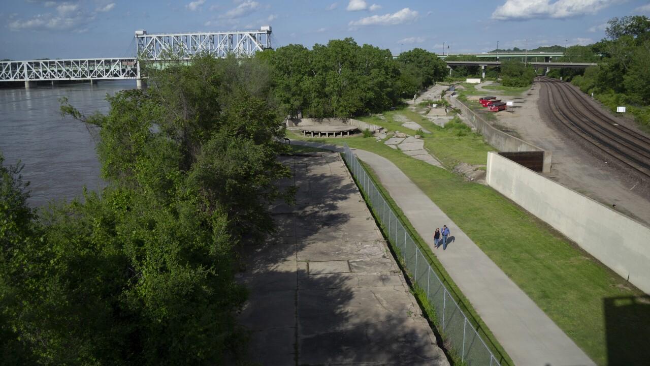 Riverfront Trail_1.jpg