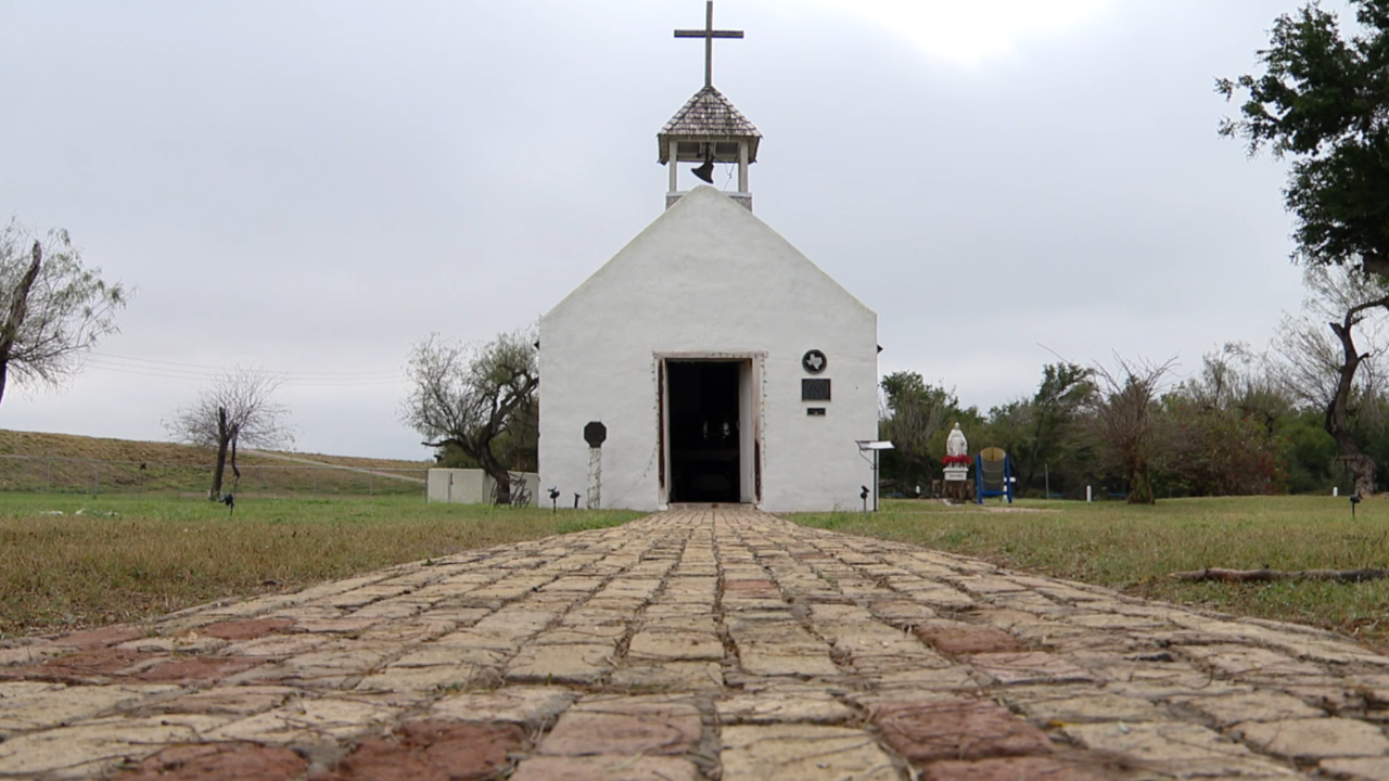 This tiny Texas chapel is fighting a border wall