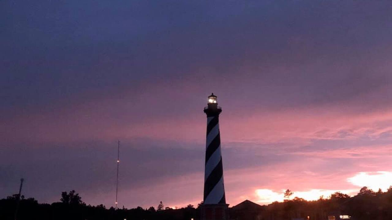 Light in Cape Hatteras Lighthouse stops rotating