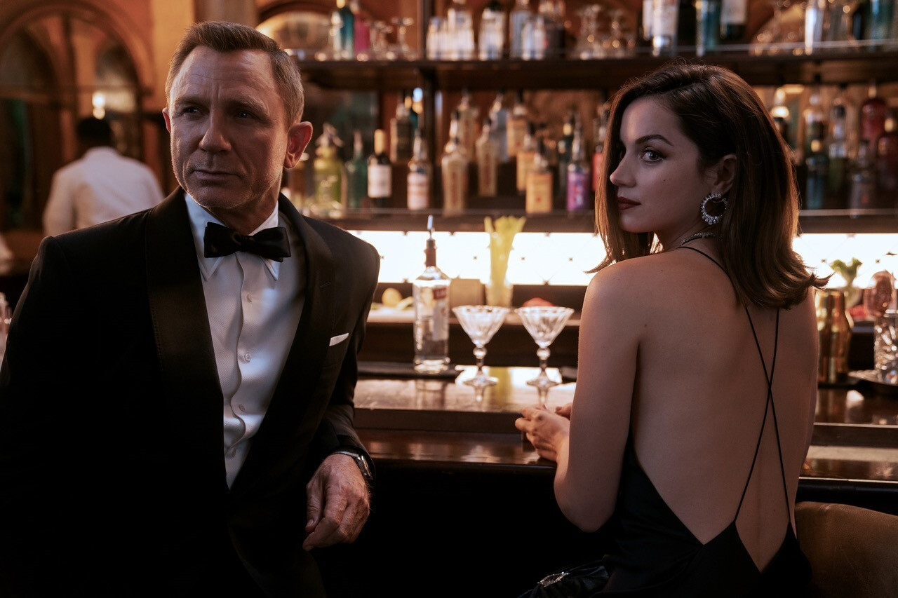 Daniel Craig and Ana de Armas in 'No Time to Die'